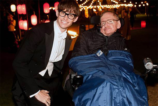 stephen-hawking-set-visit-theory-of-everything-600x403