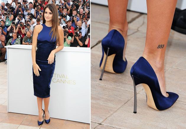 Sapato-de-Salto-Alto-e-Bico-Fino-na-Cor-Azul